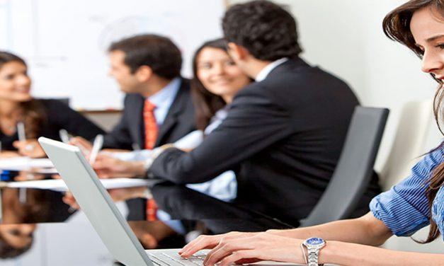 ¿Cuáles son los beneficios de los MOOCs en el ámbito laboral?